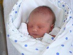 DANIEL MAREŠ Z MLADÉ VOŽICE. Prvorozený syn rodičů Daniely a Libora  se narodil 17. dubna ve 23.26 hodin. Vážil 3020 g a měřil 47 cm.