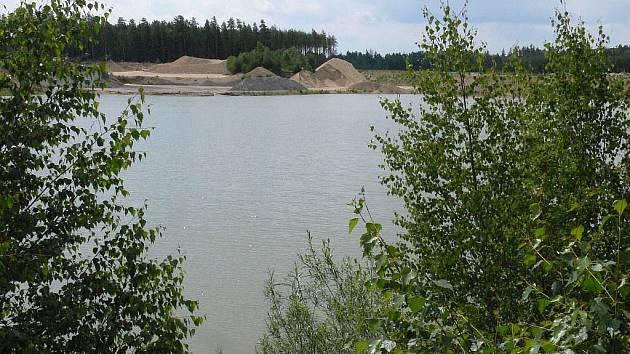 Táborská radnice uvažuje, že vytěžený sediment z Jordána bude vyvážet do pískovny v Plané nad Lužnicí
