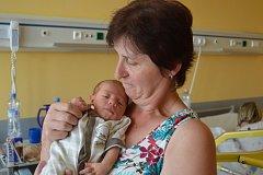 ADAM VOBORSKÝ Z VLASTIBOŘE. Rodičům Petře a Michalovi se narodil 28. června  v 6.15 hodin. Vážil 3040 g  a měřil 51 cm.