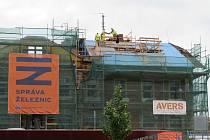 Celková rekonstrukce výpravní budovy ve Veselí nad Lužnicí má proměnit zejména vnitřní dispozice.