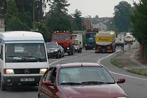 Při průjezdu Planou nad Lužnicí se řidiči musí obrnit trpělivostí.
