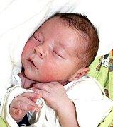 NIKOLAS SMUDEK Z HODĚTÍNA. Narodil se mamince Nikole 29. září ve 13.01 hodin a je jejím prvním dítětem.  Vážil 3300 g a měřil 48 cm.