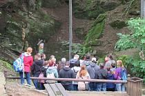 Chýnovskou jeskyni ročně navštíví v průměru 30 tisíc lidí.