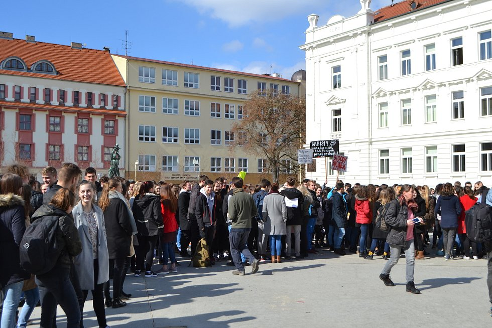 Studenti demonstrovali v Táboře na náměstí T.G.M.