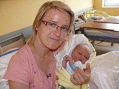 VOJTĚCH FUKA Z RADĚTIC. Svého prvního syna se rodiče Jitka a Milan dočkali 6. července ve 3.29 hodin. Vážil 3860  g a měřil 53 cm.