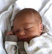 MATYÁŠ HÁLA Z MLÝNŮ. Přišel na svět 14. prosince v 19.46 hodin jako bráška desetileté Anitky. Po narození vážil 3000 g a měřil 49 cm.