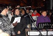 Anonym Voice a Irena Molíková rozezpívali celé náměstí.