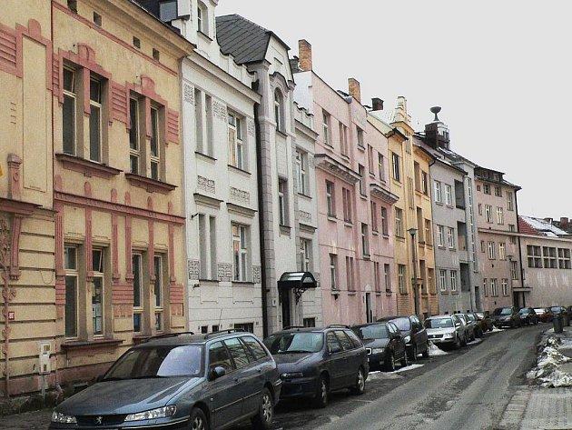 Až na žádost Rady starších Církve československé došlo v části Fügnerovy ulice ke změně jména.