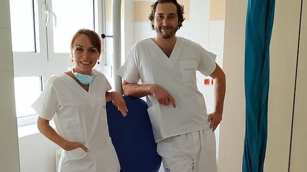 Lékaři gynekologicko-porodnického oddělení Nemocnice Tábor a. s. Hana Kosobudová a Štěpán Hájek.
