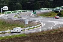 Ředitelství silnic a dálnic obnovuje stavební řízení na D3 před motocentrem.