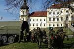 Výstavba nafukovacích stanů o Vojenské nemocnice v Olomouci 153. ženijním praporem.
