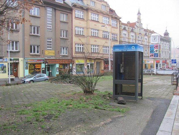 9. KVĚTNA. Úprava prostoru před vstupem na Křižíkovo náměstí má 5,5 milionu.
