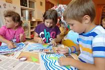 Do zájmových kroužků se mohou hlásit i děti, které ještě do školy nechodí.
