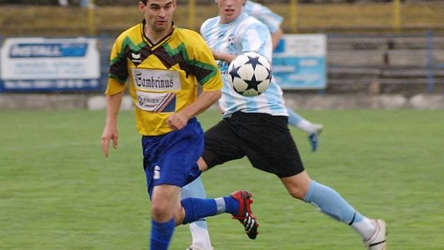 VYNIKAJÍCÍ START. Mužstvo FK Tábor zahájilo letošní boje v krajském přeboru dvěma jasnými výhrami nad nováčky soutěže.