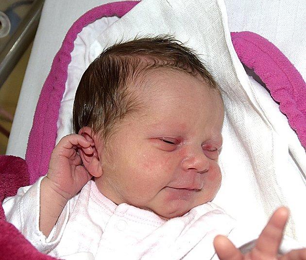Nikola Burzalová z Ratibořských Hor. Narodila se 27. června ve 12 hodin. Vážila 2870 gramů, měřila 48 cm a doma má tříletého brášku Davida.