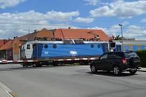 Železniční přejezd v táborské Komenského ulici.