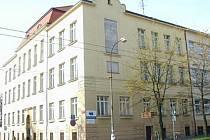 Do června je zatím občanům k dispozici Úřad Jihočeské hospodářské komory v Českých Budějovicích.