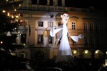 Loutku anděla vytvořil Pavel Lukas a letos se poprvé ukáže i divákům v Táboře.