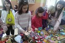 Ve středu 26. února odpoledne připravily děti v družině ZŠ Mikuláše z Husi bleší trh.