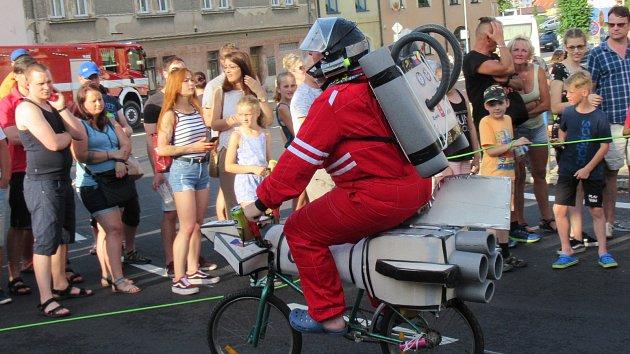 Na slavnosti se slétly čarodějnice a dorazil i Vladimír Remek