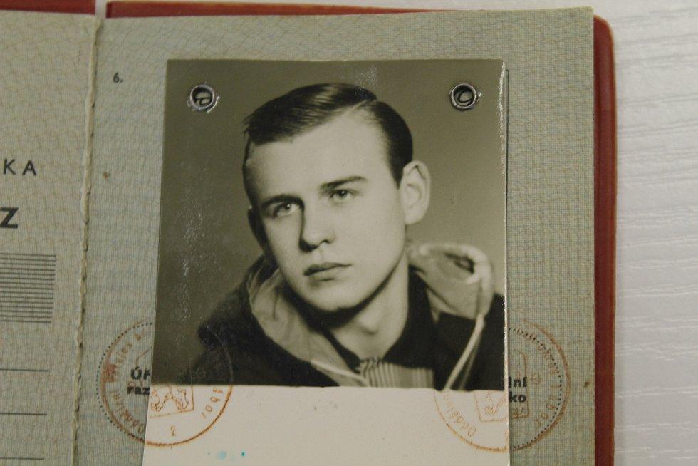 Miloši Novotnému bylo v srpnu 1968 pětadvacet let. Jako náruživému fotografu se mu jeho koníček stal málem osudným.