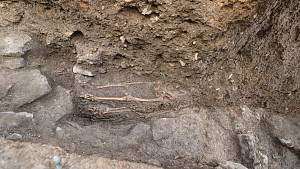 Archeologický průzkum v Klášterní ulici v Sezimově Ústí