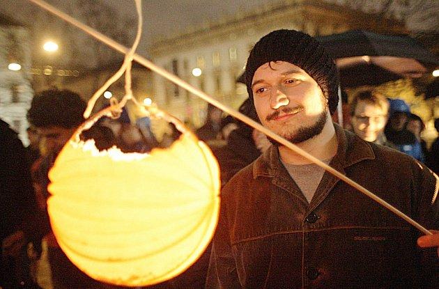 Lampionový průvod. Ilustrační foto.