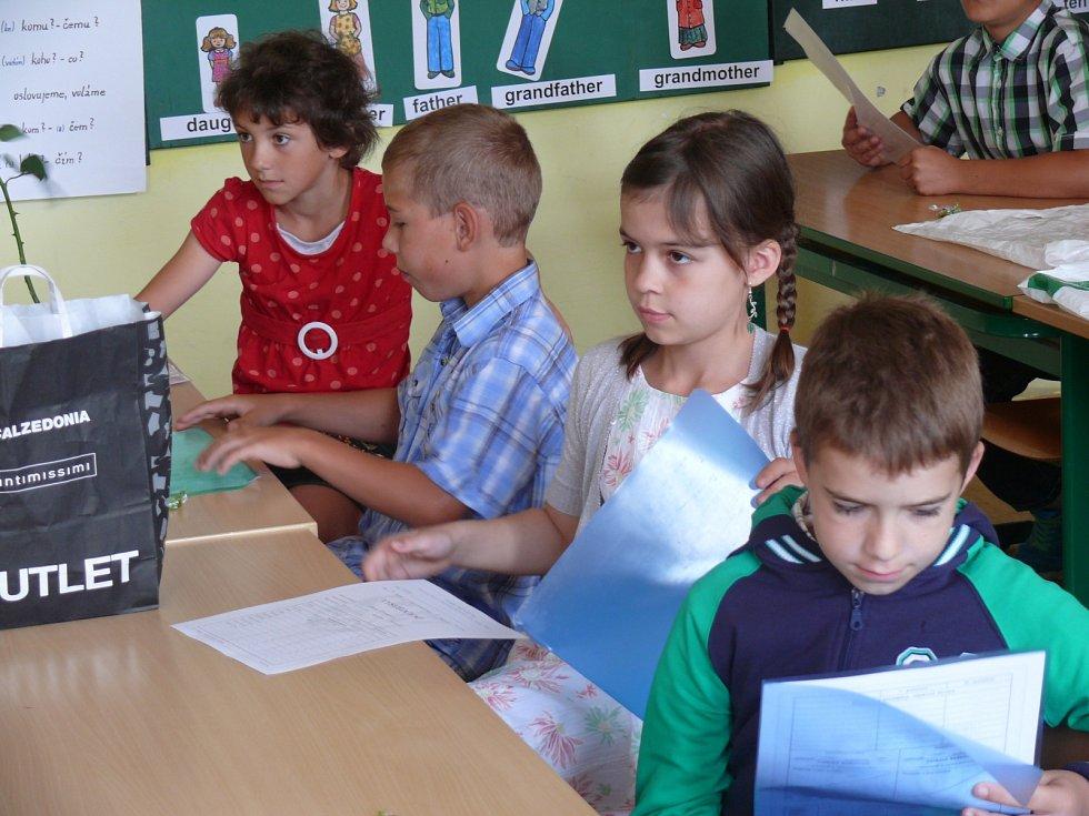 7dcb0feb8 Táborský deník | Poslední školní den v Borotíně | fotogalerie