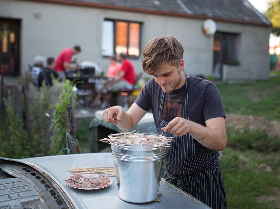 Čerstvost a dobrá dostupnost surovin, to jsou kuchařské zásady Martina Škody.