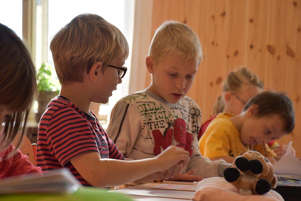 Waldorfská základní škola Mistra Jana v Ratibořských Horách.
