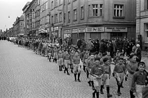Z historie Tábora: cvičení Sokola, plovárna či náměstí TGM. Fotografie pochází z táborského atelieru Šechtl a Voseček.