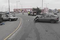 Policie pátrá po svědcích nehody uKauflandu.