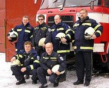 ASISTUJÍ U NEHOD. Sbor dobrovolných hasičů Tučapy má zásahovou jednotku, která pomáhá profesionálům.