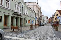 Zrekonstruované náměstíčko před Divadlem Oskara Nedbala v Táboře.