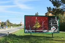 Ve Veselí nad Lužnicí na Budějovické ulici na sídlišti U Zastávky někdo poničil předvolební billboard s hejtmankou.