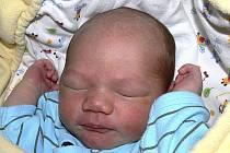 MIROSLAV JAHODA Z TÁBORA. Je prvním dítětem Adély a Miroslava a narodil se jim 27. října ve 12.10 hodin. Vážil 3650 g a měřil 50 cm.