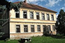 Nevyužívaná budova bývalé obecné školy