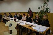 Volební komise v Mladé Vožici.