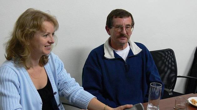 Kandidáti ČSSD sledovali průběh hlasování ve své kanceláři.