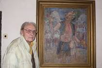 JAKO PRINCIPÁL. Lubomíra Krystlíka v roce 1965 zvěčnil na obrazu malíř Zdeněk Blažek. V díle představuje principála ve Smetanově Prodané nevěstě. Obraz dodnes visí v ratajském mlýně, kde Lubomír Krystlík několik let bydlí.
