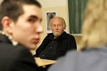 Profesor PhDr. Milan Nakonečný.
