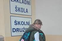 Do první třídy letos k třídní učitelce Marii Václavíkové nastoupil rekordní počet žáků a to 21, mezi nimi i Leontýna Šašková z Katova.