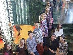 Členové divadelního kroužku Tralalou se vydali do Prahy za zážitky i inspirací. Výprava z Tábora na Nové scéně.