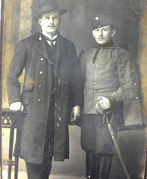 VE SLAVNOSTNÍM. Josef Vorel ve slavnostním oblečení zachycený ještě před tím, než nastoupil do 1.světové války.