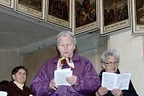 Duchovní i věřící tří církví se v pátek sešli v chotovinském kostele ke společné modlitbě Křížové cesty.