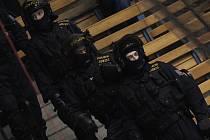 Zápas hokejistů si žádal policejní dozor.