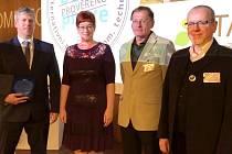 Ocenění převzala za město Tábor Jana Lorencová a za Technické služby Tábor jednatel Michal Polanecký.