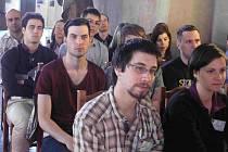 Přivítání studentů a pedagogů se odehrálo v gotickém sále.