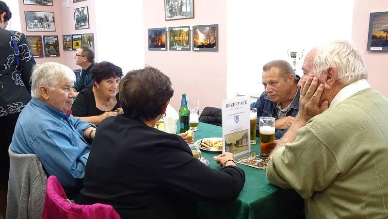 VMezné na Soběslavsku se během posledního zářijového víkendu slavilo 130. výročí založení obecné školy.