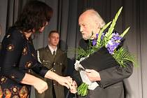Při oslavě vzniku Československa starosta Jiří Fišer Milanu Nakonečnému udělil Cenu města Tábora.
